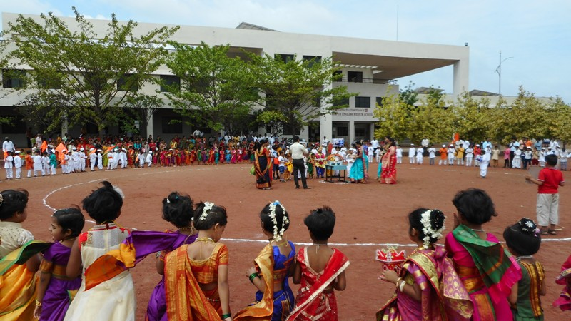 students are chanting Mauli-Mauli in ringan
