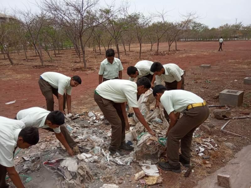 Involvement of students inschool for swachhata hi seva