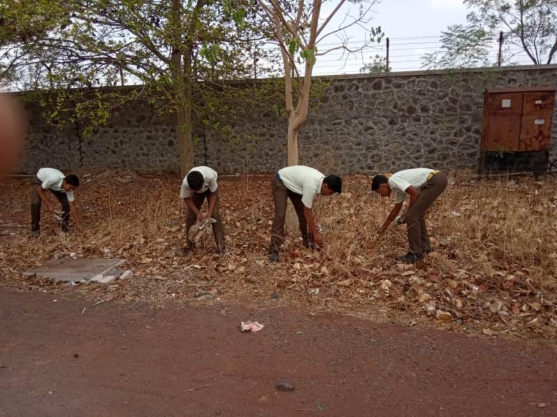 involvement of students in school for swachhata hi seva