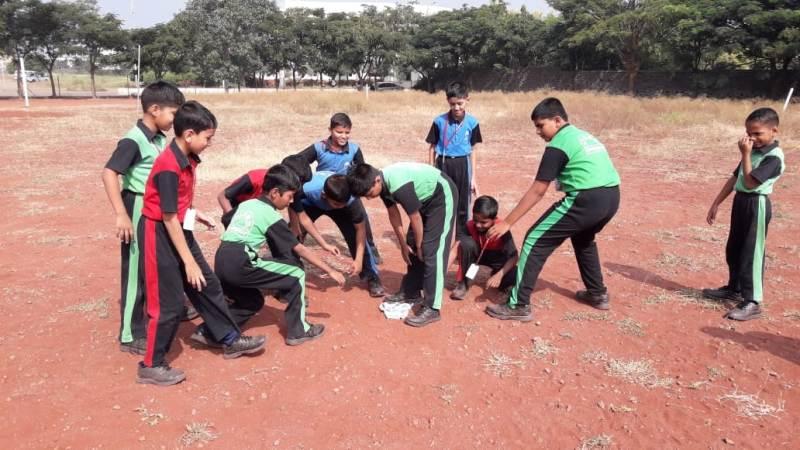Traditional game - Rumal chori