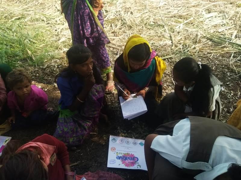 Girls Of Vpiems teaching to sugarcane worker\'s children on the occasion of Savitribai Phule Jayanti (3)