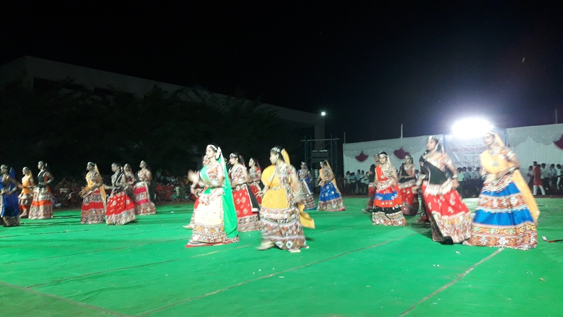 Gujrati Dance with prop Dandiya