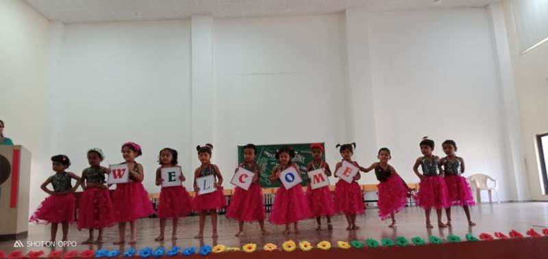 Nursery students Performance to welcome guest