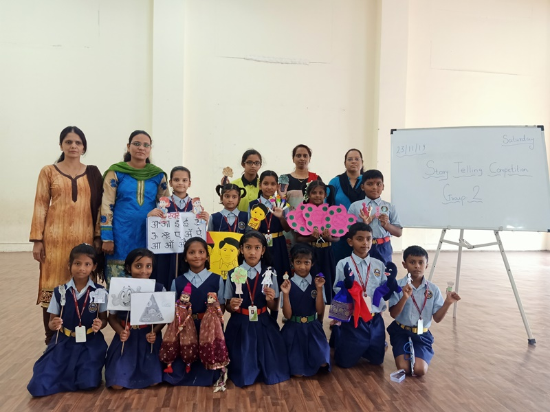 Teachers with Participants of Story telling with pupets Competition