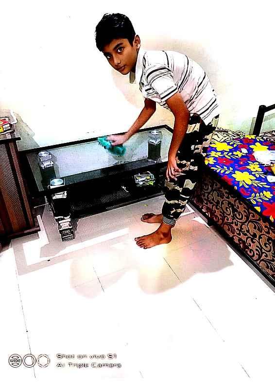 Adi Shaikh std -6B Adi shaikh cleaning the house