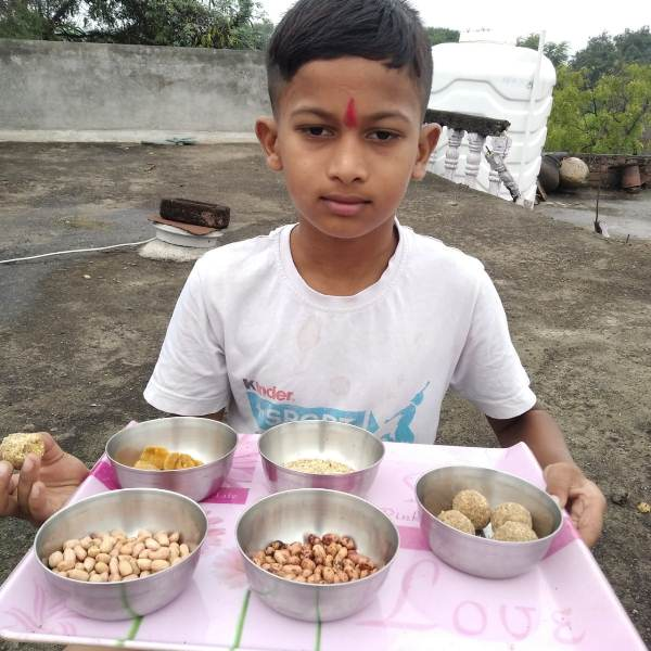 Mast. Borate Piyush from III- B is sharing recipe of ladoo on account of Bhondla Celebration.