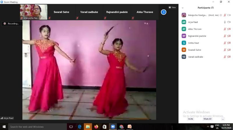 Online Bhondla celebration Std IV - B Purva Rout & Arya Raout performing Dandiya